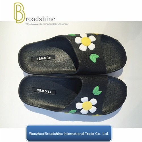 2017 2018 New Design Indoor Slippers Shower Slippers with Flowers Sole