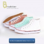 Popular Classical High Cutting Canvas Sneaker with Rubber Sole